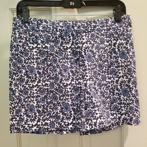 EUC 89th & Madison White and Blue Floral Shorts